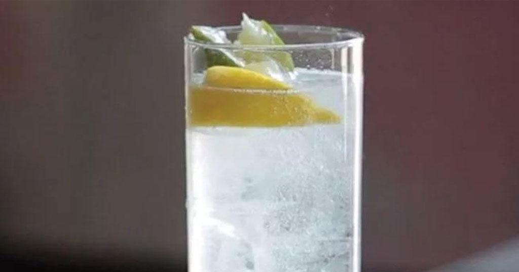 Αυστριακοί ερευνητές διαπίστωσαν οτι είναι ψυχοπαθείς και σαδομαζοχιστές όσοι πίνουν τζιν με τόνικ