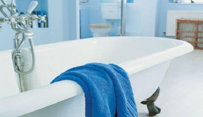 Με αυτό το φανταστικό κόλπο μπορείτε να μειώσετε αποτελεσματικά την υγρασία στο μπάνιο σας και όχι μόνο