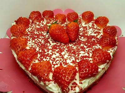 Πολύ εύκολο Cheesecake με φράουλες!!! Θεϊκή γεύση!