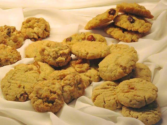 Τραγανά Cookies με φουντούκια & καραμέλες γάλακτος !!!