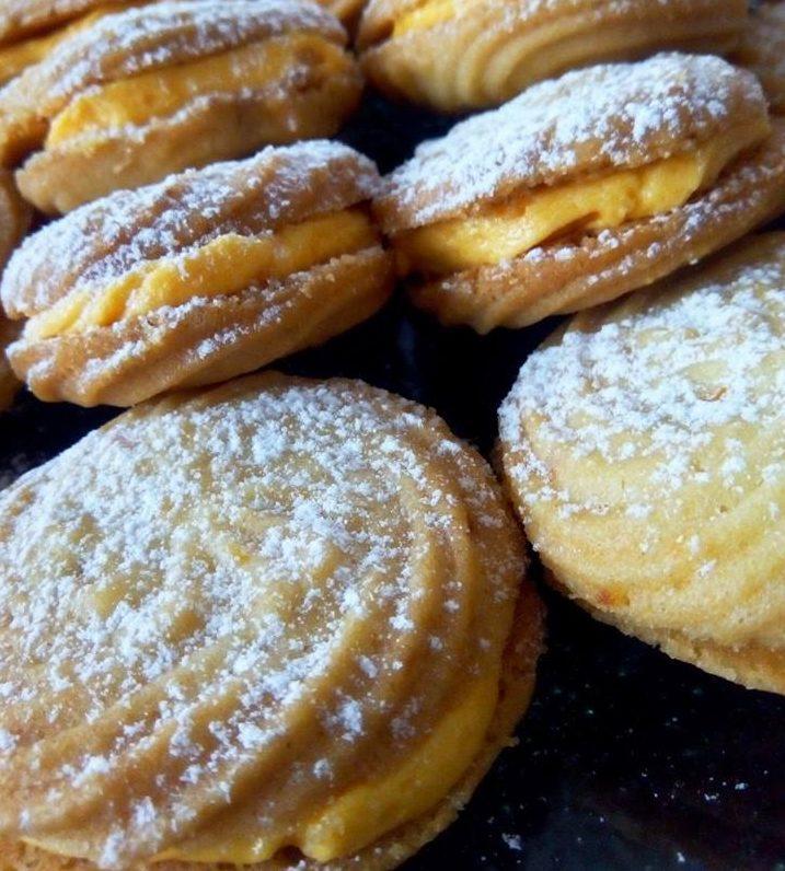 Βιενεζικα μπισκότα με γέμιση κρέμα πορτοκαλιού..! Πολύ πολύ νόστιμα!