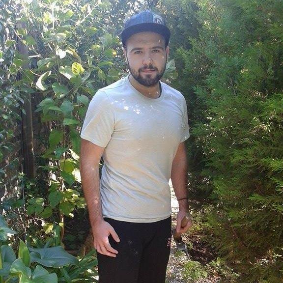 Ο γιος του «Θανάση Μπαλαφούτη» από την «Πολυκατοικία» μεγάλωσε έχασε 50 κιλά και έγινε αγνώριστος!