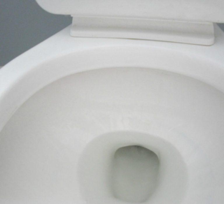 Αυτό το μαγικό αντικείμενο μπορεί να κάνει το μπάνιο σας πεντακάθαρο!