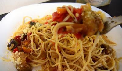Λαχταριστά Μακαρόνια με λαχανικά το κάτι άλλο !!!
