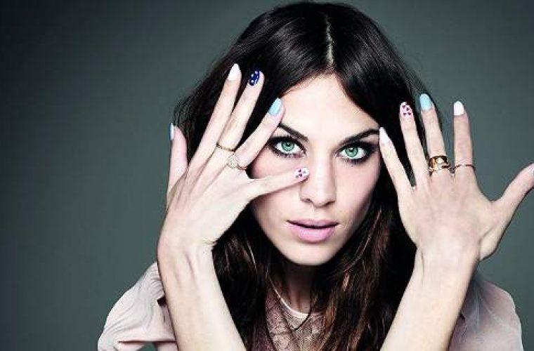 Oι μεγαλύτερες τάσεις για τα νύχια της άνοιξης -Ζωηρά χρώματα, τολμηρά σχέδια! (εικόνες)