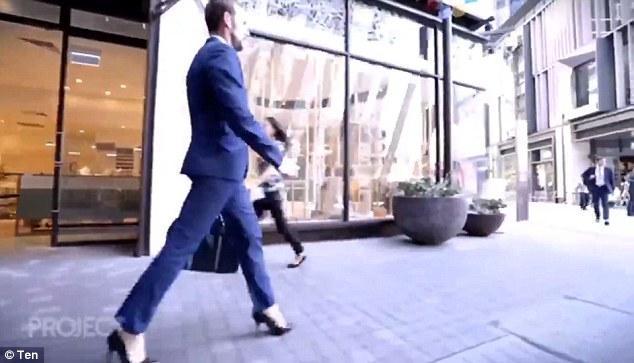 Τριαντάχρονος Ασφαλιστής φοράει τακούνια στην δουλειά επειδή τον κάνουν να νιώθει «ανίκητος»