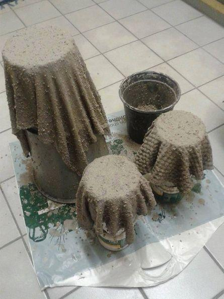Παίρνει παλιές πετσέτες και τσιμέντο και δημιουργεί φανταστικές γλάστρες!!+ 10 υπέροχες ιδέες!