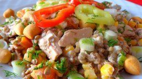 ΦΑΚΟΣΑΛΑΤΑ μέ ΤΟΝΟ ... :) ! Ένα πιάτο χορταστικό καί νόστιμο ... ! !