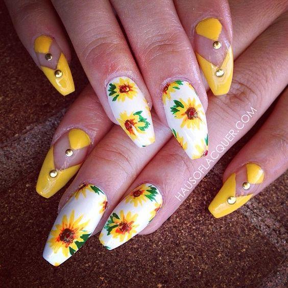 Τα πιο εντυπωσιακά φλοράλ σχέδια για τα νύχια σου που θα λατρέψεις!