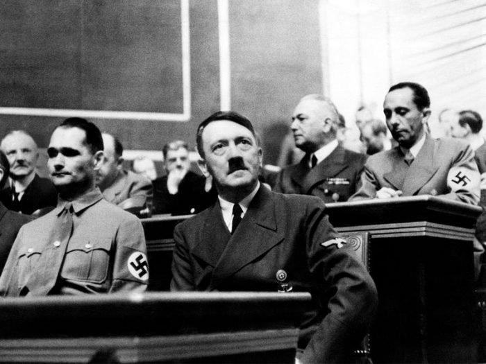 ΙΣΤΟΡΙΕΣ Ο άρρωστος εθισμός του Χίτλερ: Η εξάρτηση που συνέβαλε στην αυτοκαταστροφή