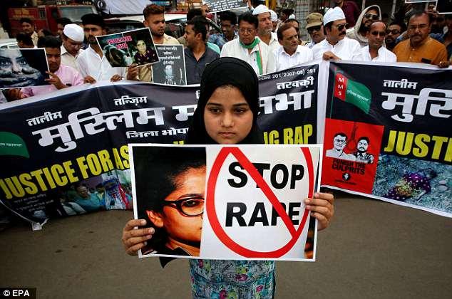 Η Ινδία επέβαλε την θανατική ποινή για τους βιαστές ανηλίκων