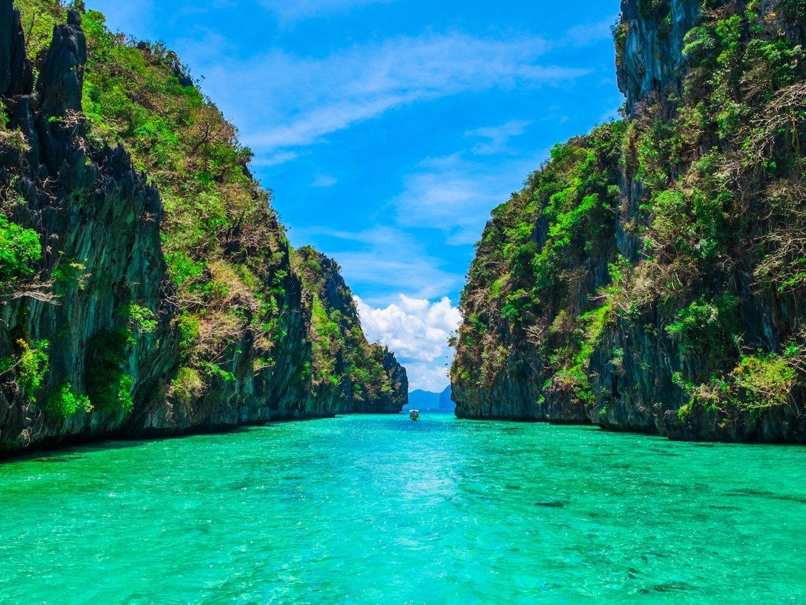 Λευκάδα: Η παραλία με τα πιο γαλάζια νερά στον κόσμο με την απέραντη ομορφιά!
