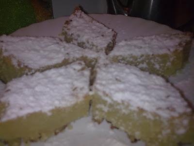 Ραβανί Θερμιώτικο πασπαλισμένο με άχνη ζάχαρη!!
