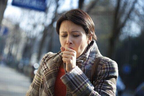 8 σοκαριστικά σημάδια του καρκίνου του πνεύμονα που δεν πρέπει να αγνοήσετε