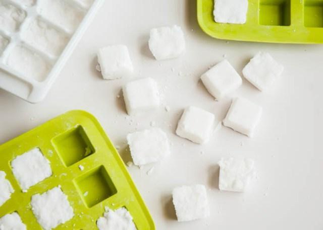 Πως να φτιάξετε μόνοι σας ταμπλέτες πλυντηρίου πιάτων με λεμόνι;
