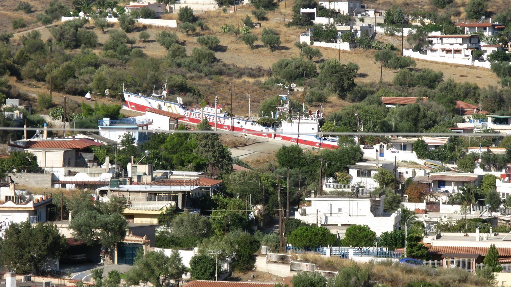 40 απίστευτες φωτογραφίες με αυθαίρετες κατασκευές που βρίσκονται στην Ελλάδα!