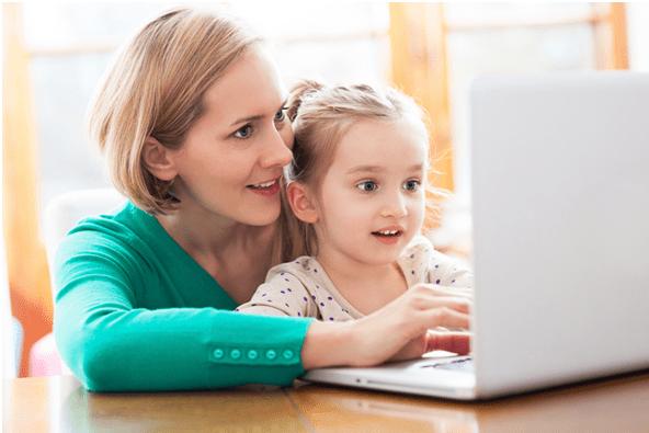 Παιδί και Ίντερνετ: Βρήκαμε τον σούπερ τρόπο για να προστατέψουμε τα παιδιά από τους κινδύνους του Διαδικτύου