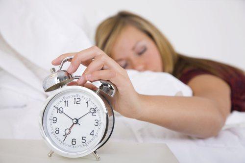 Η επιστήμη μίλησε!!!Οι άνθρωποι που πατάνε αναβολή στο ξυπνητήρι είναι πιο έξυπνοι