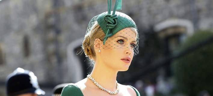 Γάμος Χάρι και Μέγκαν: Η ανιψιά της Νταϊάνα έκλεψε την παράσταση με σμαραγδί φόρεμα [εικόνες]