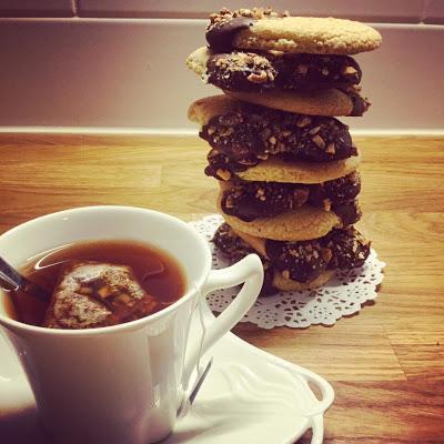 Τραγανά Βουτήματα-Πεταλάκια !!!για τον καφέ το τσάι το γάλα !