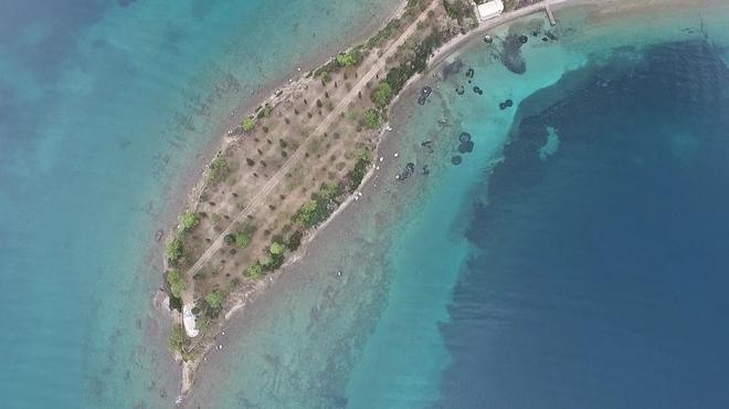 Τα εξαιρετικής ομορφιάς δίδυμα νησάκια που βυθίζονται - Μία ώρα από την Αθήνα