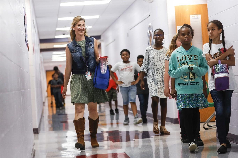 Συγκινητικό!! Καθηγήτρια θα δωρίσει το νεφρό της σε 10χρονη μαθήτρια του σχολείου της