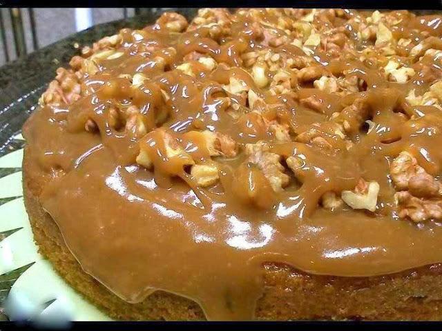 Αφράτο Κέικ με σιρόπι και κρέμα καραμέλας !! Απλά Θεικό!!!
