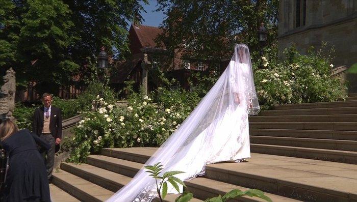 Πανέμορφη νύφη η 36χρονη Μέγκαν Μαρκλ - Η συγκίνηση και τα δάκρυα του Χάρι