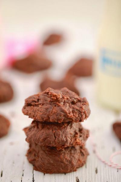 Τα πιο νόστιμα μπισκότα χωρίς πολλές θερμίδες μόνο με 3 υλικά!