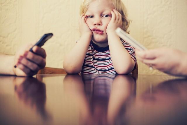 Με ποιο τρόπο κάνουν οι γονείς τα παιδιά νευρικά;