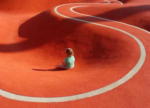 Η πιο περίεργη παιδική χαρά στον κόσμο βρίσκεται στο Μόναχο!