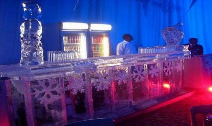 Το μοναδικό στην Ελλάδα μπαρ από πάγο λειτουργεί στην Ρόδο!!