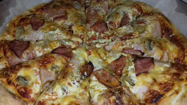 Μοναδική πίτσα!η πίτσαπου έχει ξεπεράσει καθε προσδοκία.