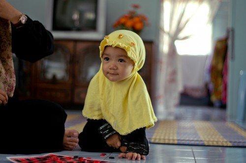 """Σαουδάραβας κληρικός : """"Να φορούν μπούργκα ακόμη και τα κοριτσάκια κάτω των 2 ετών για να μην προκαλούν ερωτικά""""! [βίντεο]"""