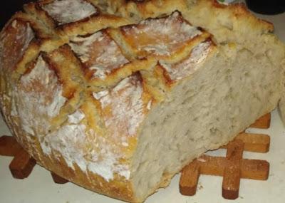 Σπιτικό ψωμί με προζύμι !!!Αφράτο, φανταστικό!!