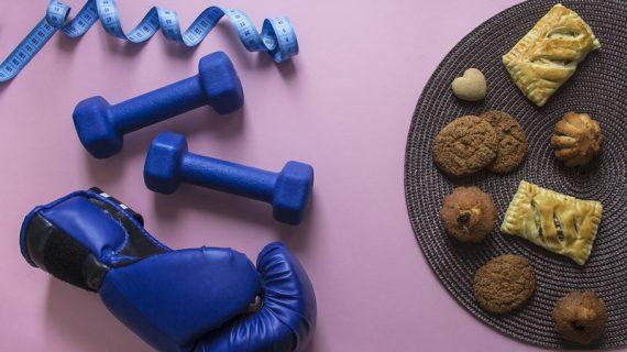 Γυμνάζεστε χωρίς αποτέλεσμα; Οι 5 χειρότερες τροφές σύμφωνα με μία personal trainer