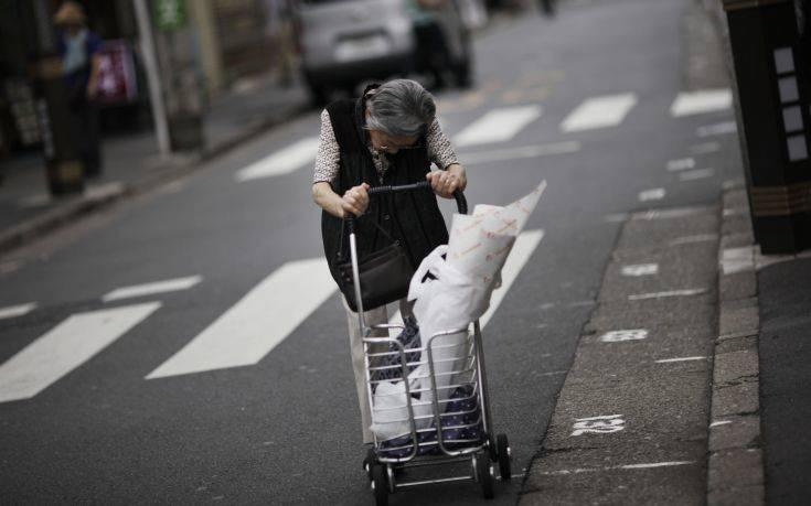 Γιατί ηλικιωμένες γυναίκες στην Ιαπωνία θέλουν να μπουν φυλακή;