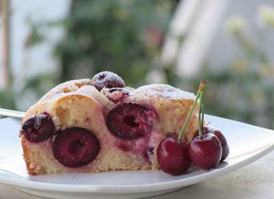 Πεντανόστιμο Κέικ μαλακό με κεράσια !!!