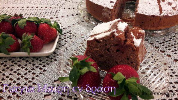 Μοσχομυρωδάτο και νόστιμο κέικ φραουλας