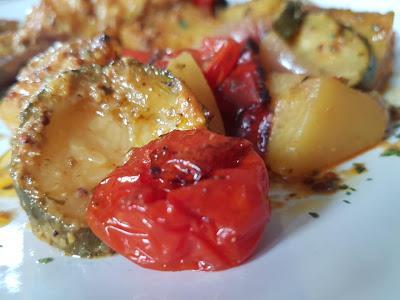 Λαχταριστά Μπουτάκια κοτόπουλο με λαχανικά στο φούρνο!!!