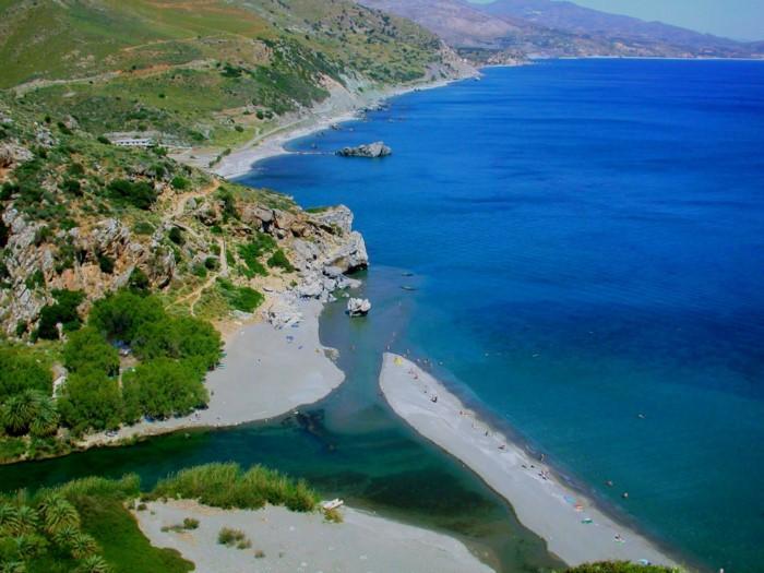 Αυτή είναι η παράξενη παραλία της Ελλάδας που θυμίζει αφρικανική όαση