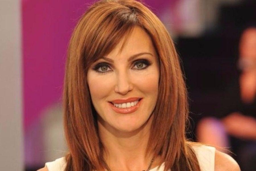 Η απίστευτη ομοιότητα Τουρκάλας παρουσιάστριας με την Χατζηβασιλείου!