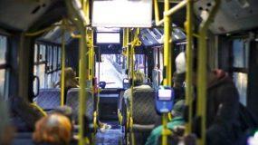 Τέλος η λαθρεπιβίβαση σε τρόλεϊ και λεωφορεία. Τι αλλάζει για τους επιβάτες από Δευτέρα