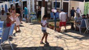 Η μικρή αυτή χορεύει το ζεϊμπέκικο της Ευδοκίας καλύτερα από επαγγελματία και έχει τρελάνει το διαδίκτυο!!