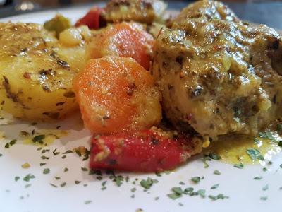 Ψαρονέφρι με πατάτες στη γάστρα!!!Ένα φαγητό λουκούμι σκέτο!!