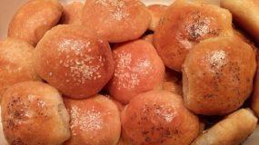 Αφράτα ψωμάκια με γέμιση τυριών ή ότι άλλο μας αρέσει !!!!Ιδανικά για το παιδικό πάρτι