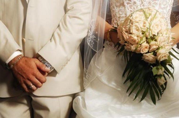 Νύφη έπιασε τον πατέρα της με την πεθερά της – Χαμός λίγο πριν τον γάμο