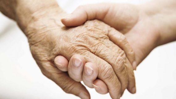 Αλτσχάιμερ:Τι σας ζητά το άτομο με άνοια όταν λέει «Θέλω να πάω στο σπίτι μου». Τι να κάνετε για να το βοηθήσετε