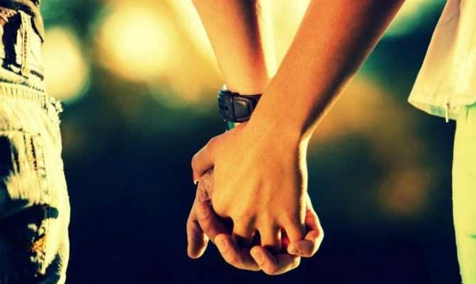 Τον άνθρωπο που αγάπησες αληθινά, δεν τον πουλάς ποτέ στα δύσκολα..