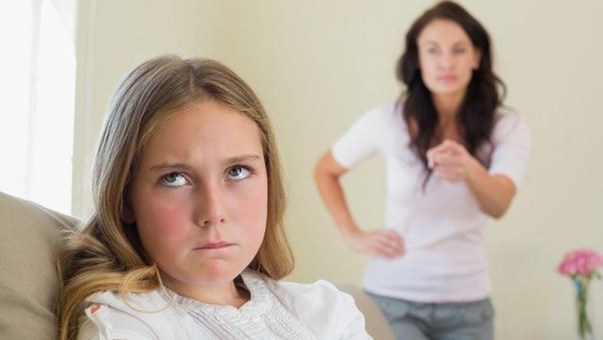 Η επιστήμη το επιβεβαιώνει: Οι μαμάδες που γκρινιάζουν μεγαλώνουν τις πιο επιτυχημένες κόρες